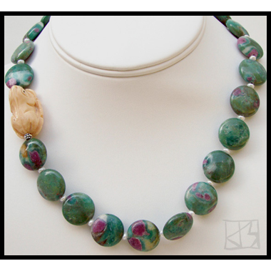 RUBY IN FUCHSITE CARVED FROG NECKLACE