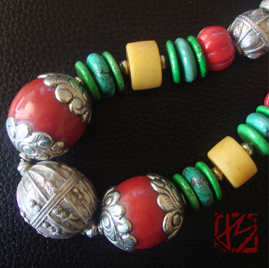 COLORFUL YEMENI SILVER NECKLACE